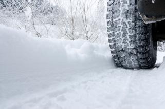 tire-in-snow